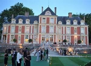 Valentino Garavani's chateau in France | Homes here on ...