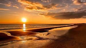 Beach Sunset Desktop Wallpaper 08701 - Baltana