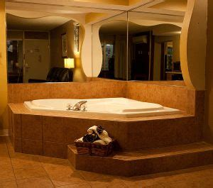 Hotels With Tubs In Room Mn by Route 66 Hotel Jaccuzi And Executive Suites Family