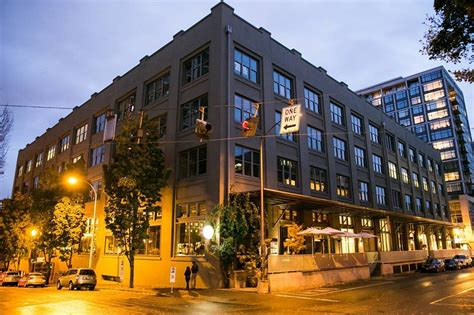 7 Essential Restaurants You Must Try In Portland's Pearl ...