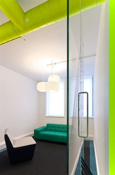 london  inspiring  working office   bright