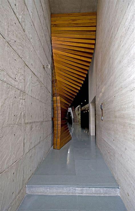 Moderne Häuser Vorhänge spektakul 228 re eingangst 252 r aus holz als vorhang wood door