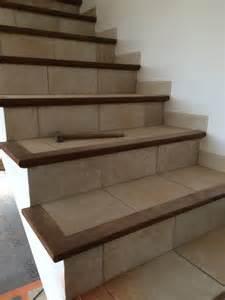 Comment Renover Un Escalier En Carrelage by R 233 Novation D Un Escalier Carrel 233 Avec Nez De Marche En