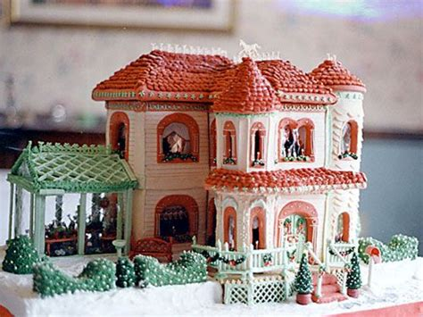 40+ Amazing Gingerbread Houses We Want To Move Into