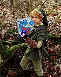 Twilight Princess Link Cosplay by chelseycosplay on DeviantArt