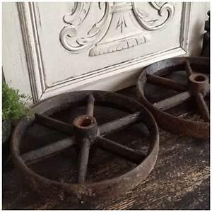 Roulettes Industrielles Anciennes : paire ancienne de roues en fonte metal vieilli vintage industriel ~ Teatrodelosmanantiales.com Idées de Décoration