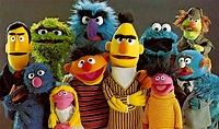 """""""Sesame Street"""" is reaching out to a new audience — global refugees - HelloGiggles"""