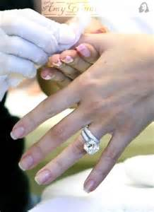 khloe wedding ring what u see is what u get in with khloe 39 s engagement ring