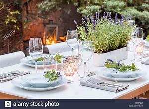 Festlich Gedeckter Tisch : deutschland garten terrasse holzdeck gartenm bel moderne sitzgruppe gedeckter tisch ~ Eleganceandgraceweddings.com Haus und Dekorationen