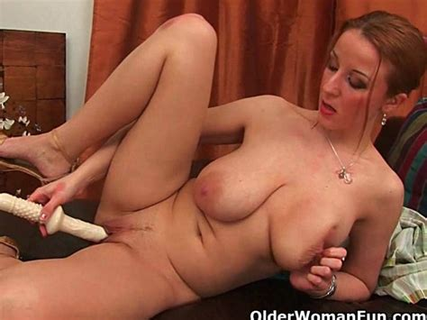 Soccer Moms With Natural Big Tits Having Solo Sex Free