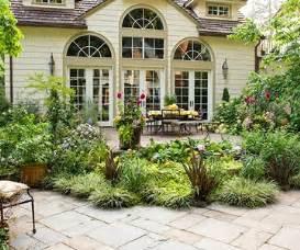 plants around patio make your patio a destination