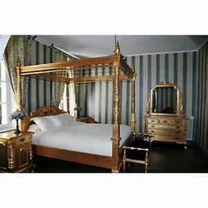 Lit A Baldaquin En Bois : location de lit baldaquin pour vos v nements paris ~ Teatrodelosmanantiales.com Idées de Décoration
