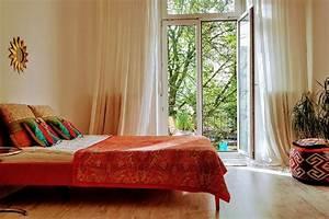 Citynahmit balkon short term room in hamburg gloveler for Französischer balkon mit sonnenschirm 400 x 400