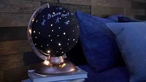 Lampe Globe Terrestre : transformez un globe terrestre en magnifique lampe d corations actus maison globe globe ~ Teatrodelosmanantiales.com Idées de Décoration