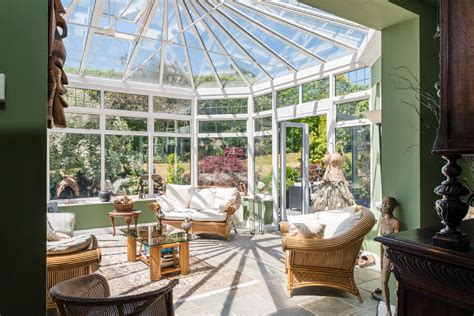 15 Placid Tropical Sunroom Ideas Perfect For Any Season