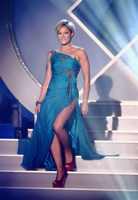 helene fischer  shoulder dress helene fischer