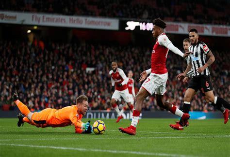 Arsenal news: Gunners fans react to Alex Iwobi assist ...