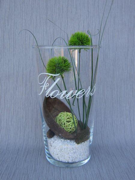 Bodenvase Dekorieren Frühling by Eine Glasvase Mit Deko Quot Flowers Quot Floristik4u Auf