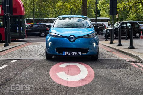 renault christmas renault zoe ev delivering free christmas batteries in