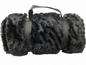 Plaid Noir Pas Cher : plaid pas cher plaid polaire plaid laine plaid ~ Teatrodelosmanantiales.com Idées de Décoration
