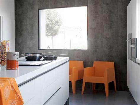 pvc mural cuisine lambris pvc aspect beton cire dans cuisine ouverte