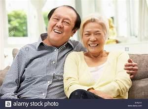 Entspannen Zu Hause : retired chinese men and women stockfotos retired chinese men and women bilder alamy ~ Buech-reservation.com Haus und Dekorationen