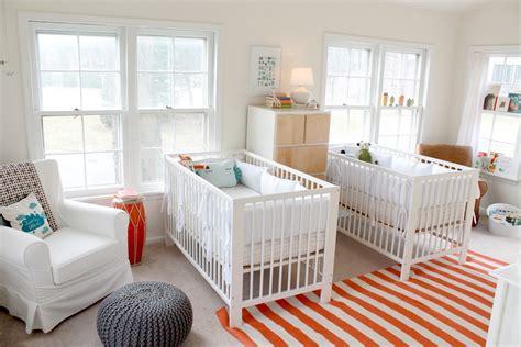 chambre lit jumeau bright bold nursery