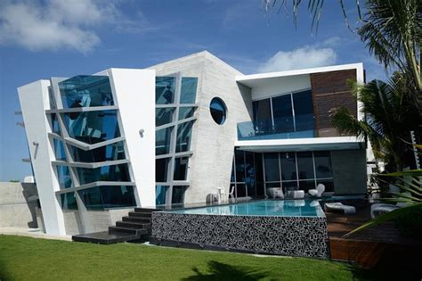 desain rumah modern  futuristik