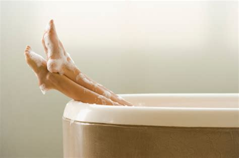 Feat In The Bathtub by Restoring Magnesium Levels With Epsom Salt Baths The Oz