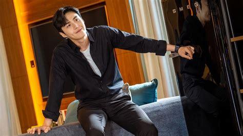 kim seon ho thought people  find  awkward