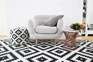 Le tapis scandinave sinvite dans linterieur 26 idees for Tapis motif scandinave