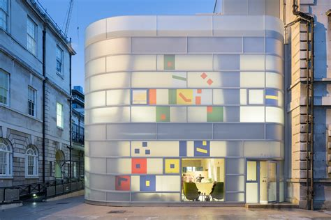 Maggies Centre Barts In steven holl completes maggie s centre barts in central
