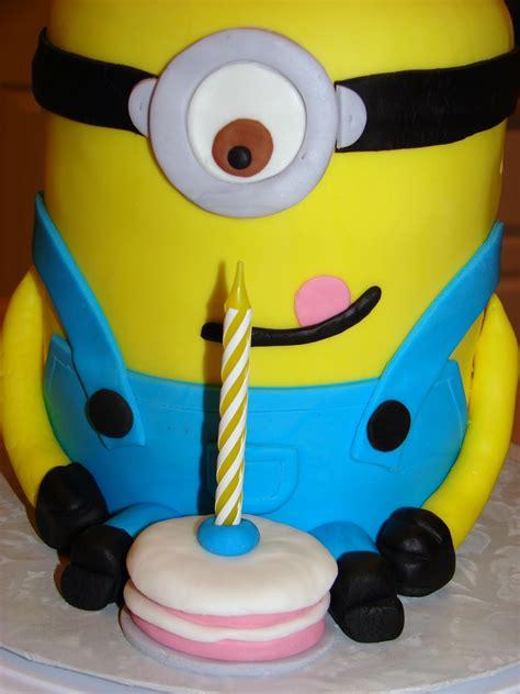 Vanilla minion cake happy birthday blake!. Ipsy Bipsy Bake Shop: Minion Cake!!