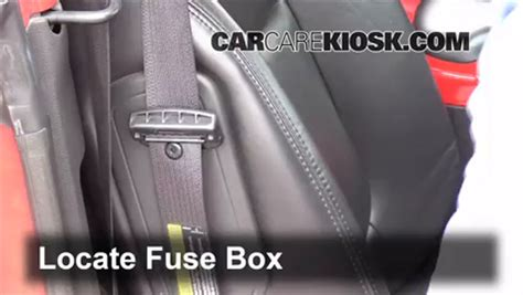 Chevy Ssr Fuse Box Location by Interior Fuse Box Location 2003 2006 Chevrolet Ssr 2004