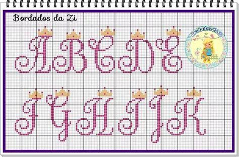 Pesquisando sobre gráfico de alfabeto em ponto cruz ? Alfabeto Maiúsculo (Para uma princesa) | Coroas em ponto cruz, Letras em ponto cruz, Ponto cruz ...