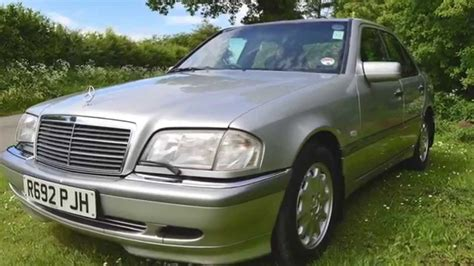 This is how to do a burn out. Classic Mercedes Benz C250 Turbo Diesel for sale with mikeedge7 - YouTube