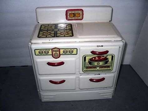 VTG Childs Kitchen Set Painted Tin Lithograph Toy Stove
