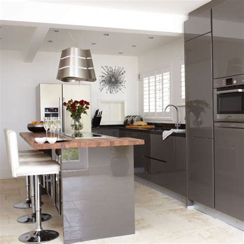 kitchens with 2 different color cabinets mad about grey kitchens