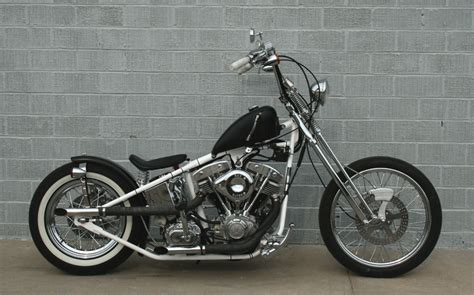 The Old-school Custom Flyrite Choppers Bobber Draws All