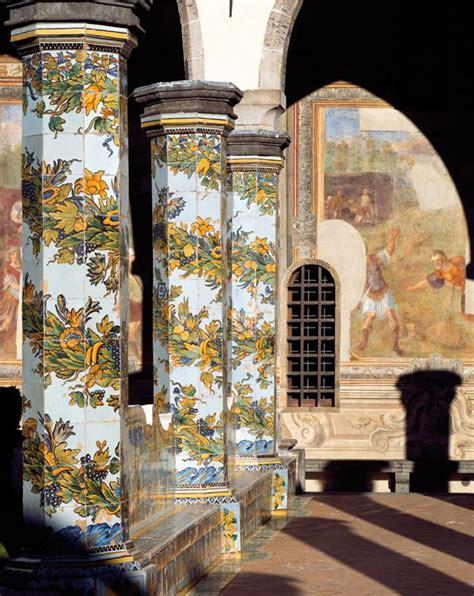 napoli chiesa di santa chiara il chiostro maiolicato