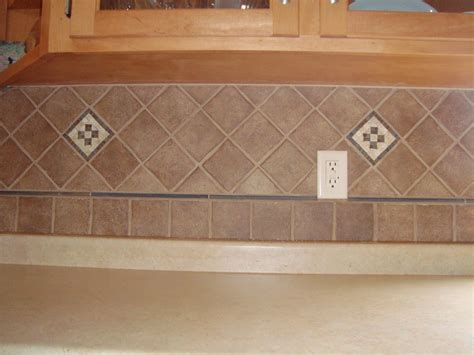 kitchen backsplash tile patterns awesome backsplash tile patterns 1 pattern loversiq 5070