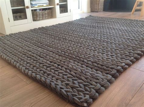 Dicke Teppiche by Fab Thick Loomed Charcoal Grey Pleated Wool Rug 90cm