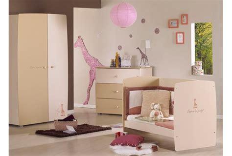 decoration chambre bebe la girafe visuel 2
