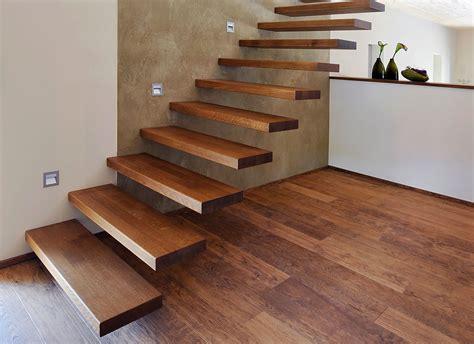 treppe weiß holz exklusive holztreppen bei treppen de ihre treppe aus holz
