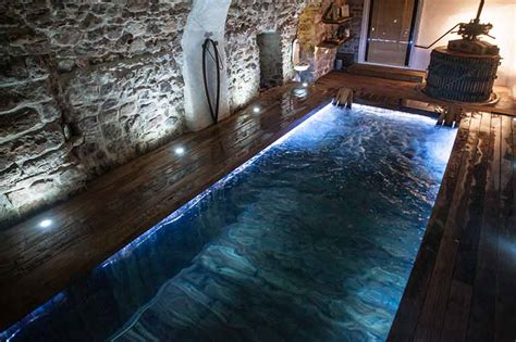 porte de chambre forte chambre d 39 hôtes avec piscine interieure var provence