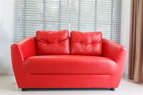 Poltrona Rossa Moderna In Salone Fotografia Stock