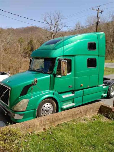 2006 volvo semi truck for sale volvo vnl 780 2006 sleeper semi trucks