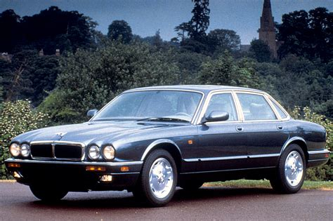 books about how cars work 1995 jaguar xj series auto manual 1995 03 jaguar xj sedan xj series consumer guide auto