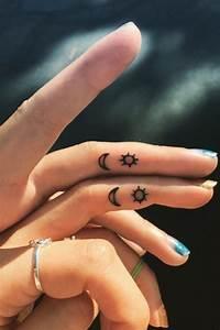 Tattoo Amitié : quel tatouage sur le doigt adopter 80 id es simples et ~ Melissatoandfro.com Idées de Décoration