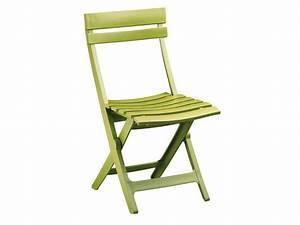 Chaise Jardin Plastique : chaise pliante miami coloris vert anis vente de chaise conforama ~ Teatrodelosmanantiales.com Idées de Décoration